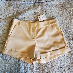 Ovi Tan Cuffed Womens Shorts Sz Small